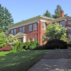 The H.R. Albee House: A 1912 Portland Estate