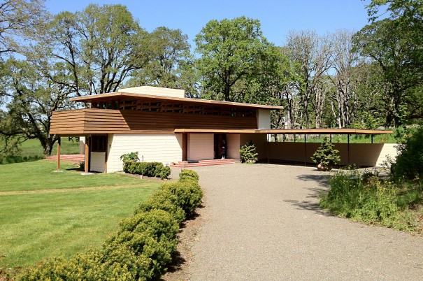 Frank lloyd wright home designs homemade ftempo for Frank lloyd wright prairie style house plans