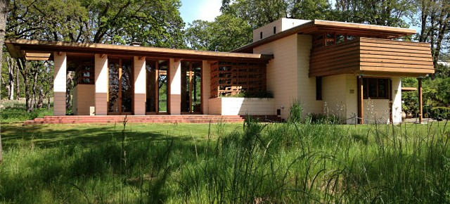 Frank Lloyd Wright Designed One Home In Oregon: The Gordon House