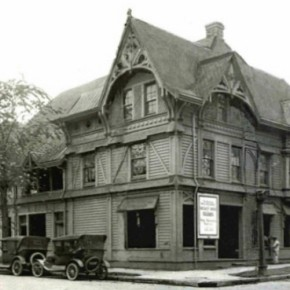 "Portland's 1883 Ladd Carriage House Gets Resurrected as ""Raven & Rose"""