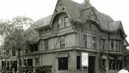 """Portland's 1883 Ladd Carriage House Gets Resurrected as """"Raven & Rose"""""""