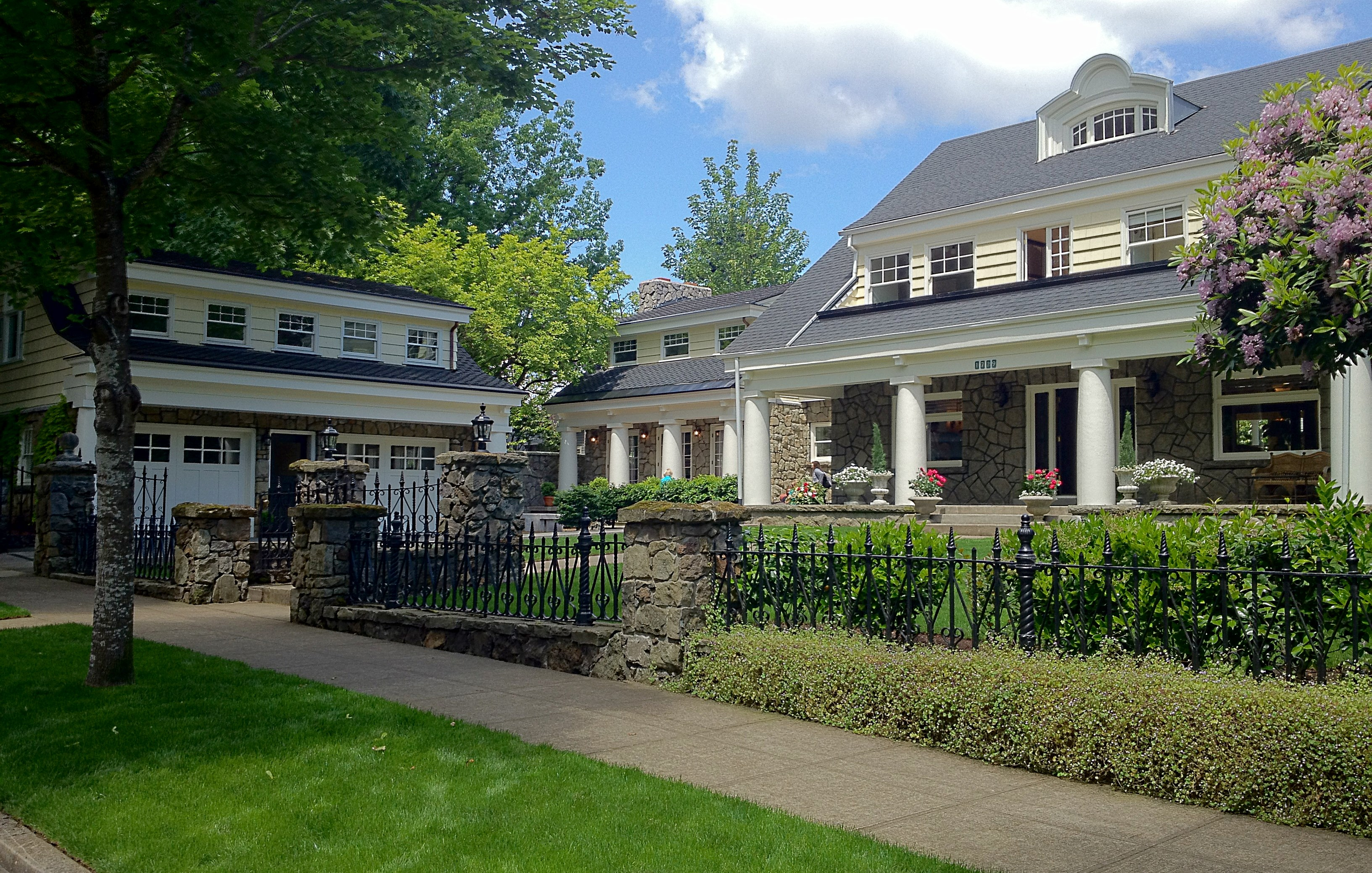 The giltner house a local builder breathes new life into for Local house builders