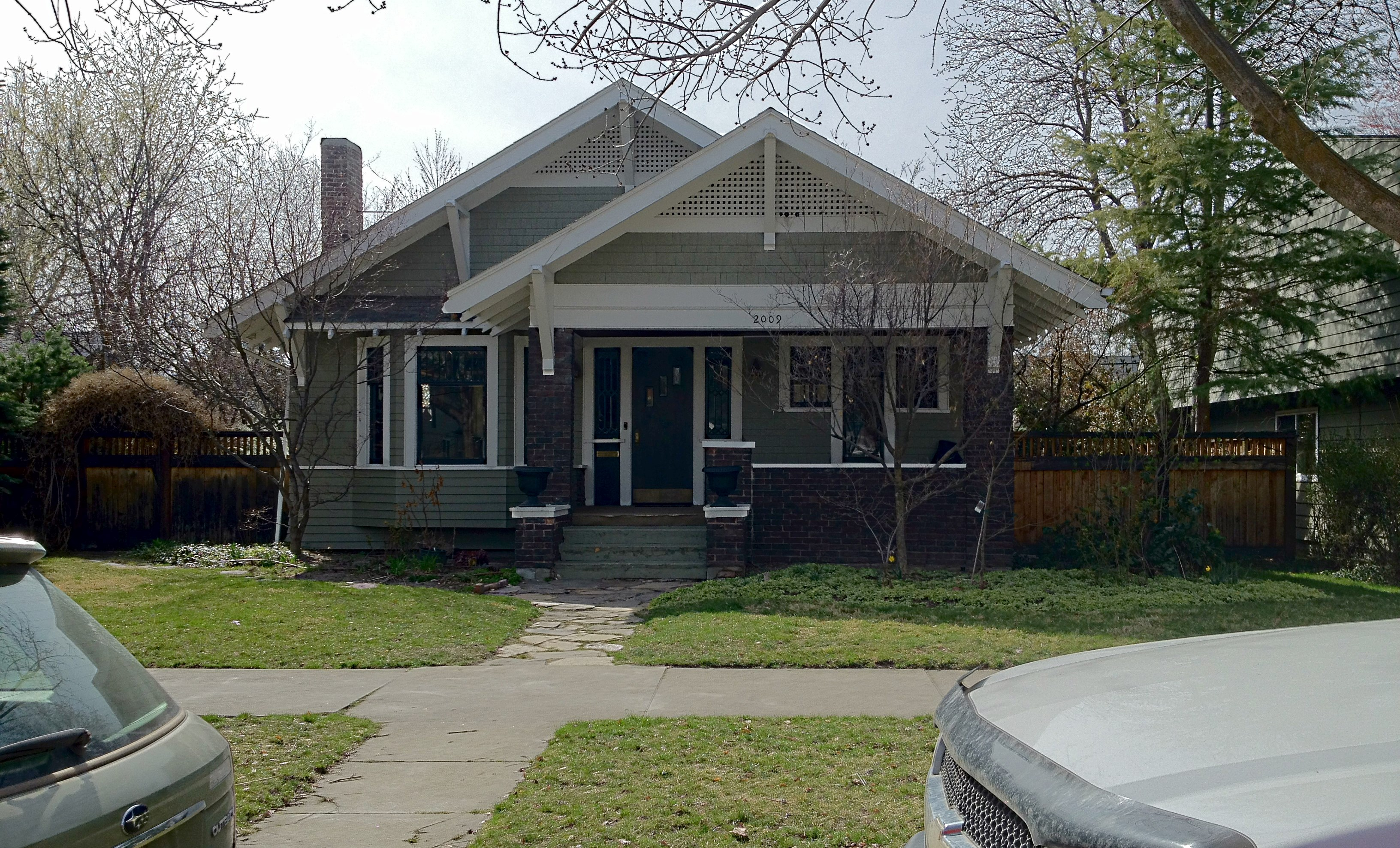 Photo essay the eclectic bungalows of boise idaho the for Craftsman bungalow architecture