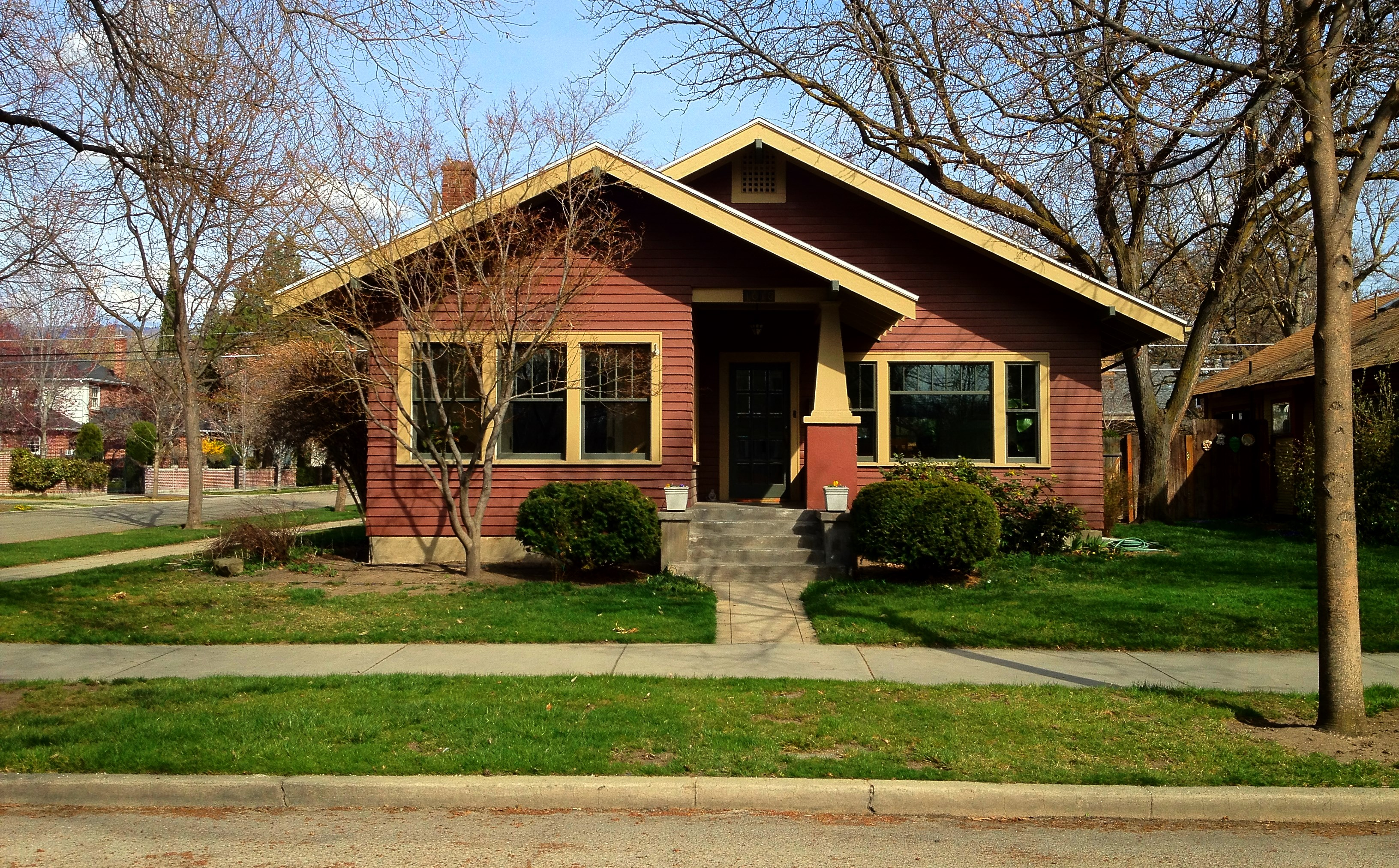 Photo essay the eclectic bungalows of boise idaho the for Craftsman style homes for sale in california