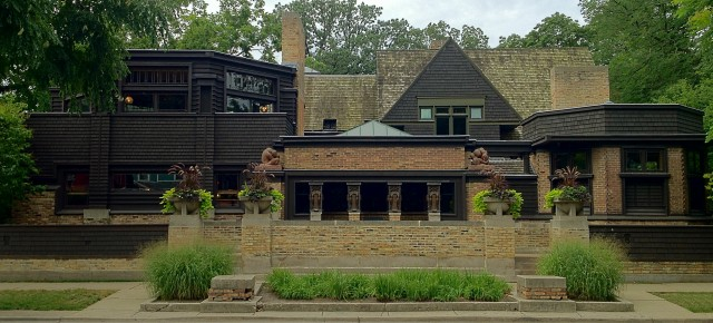 An Evolving Aesthetic: Frank Lloyd Wright's Home & Studio in Oak Park, Illinois