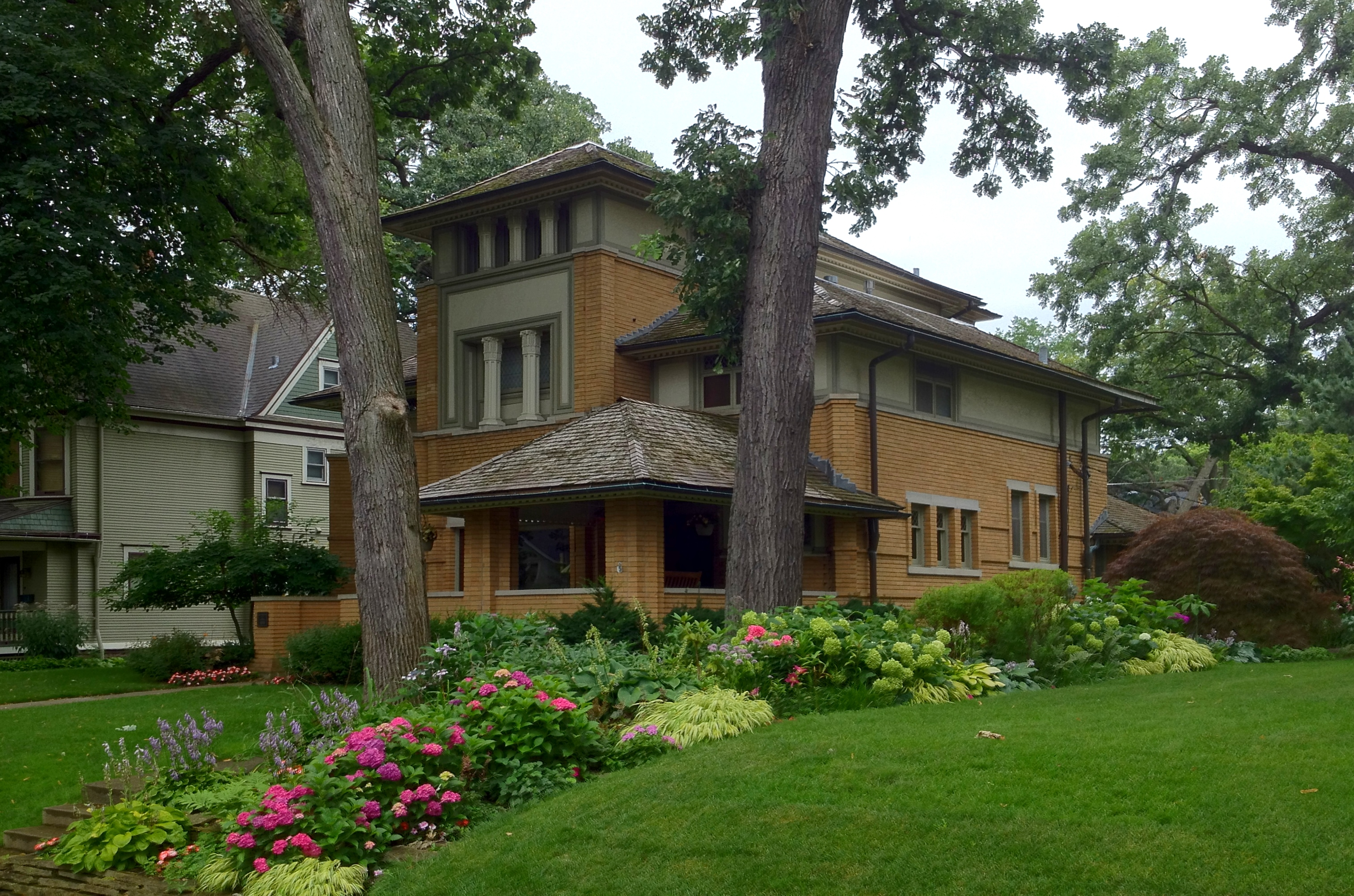 Frank Lloyd Wright S Oak Park Illinois Designs The First
