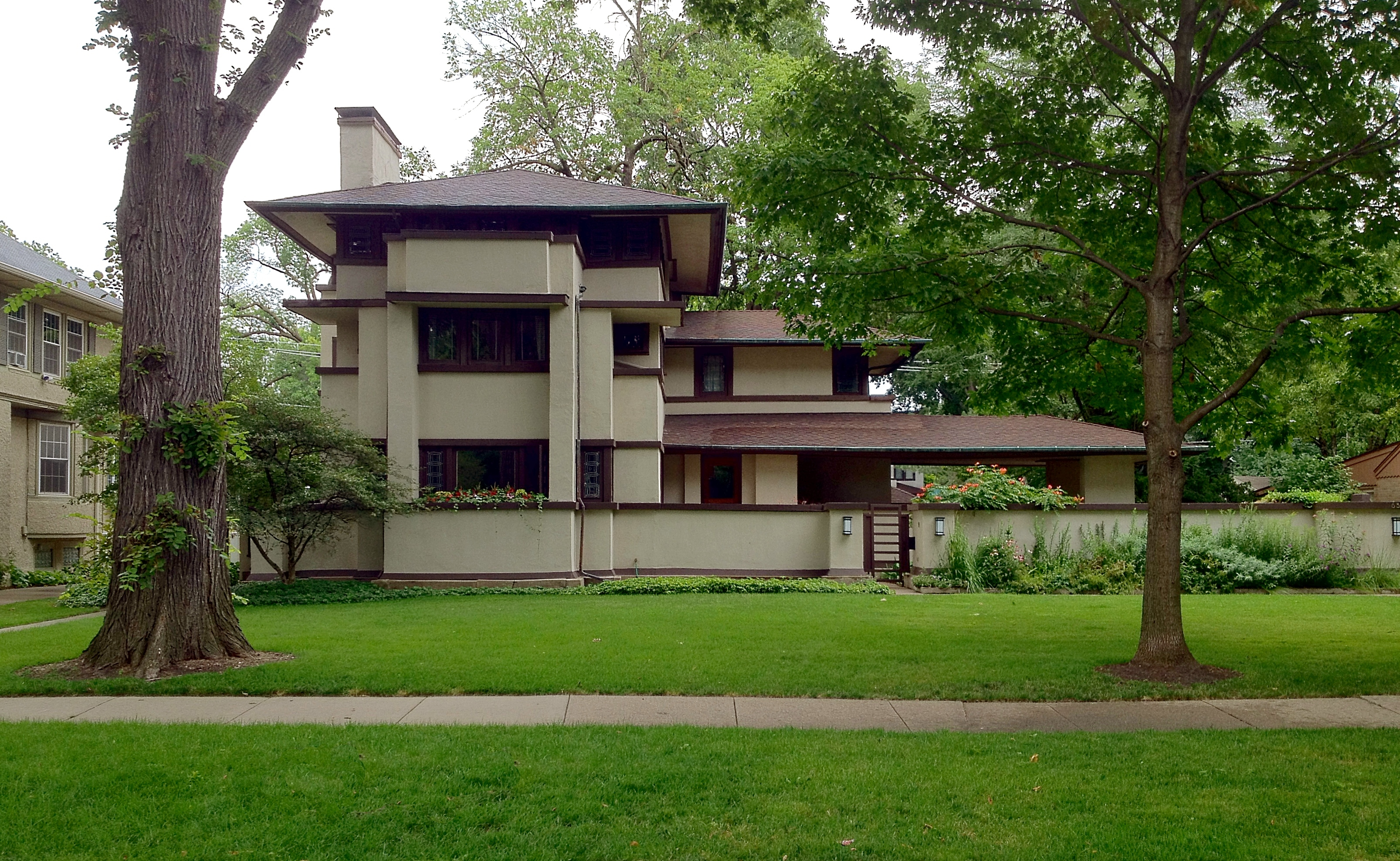 Frank lloyd wright s oak park illinois designs the for Prairie style house plans