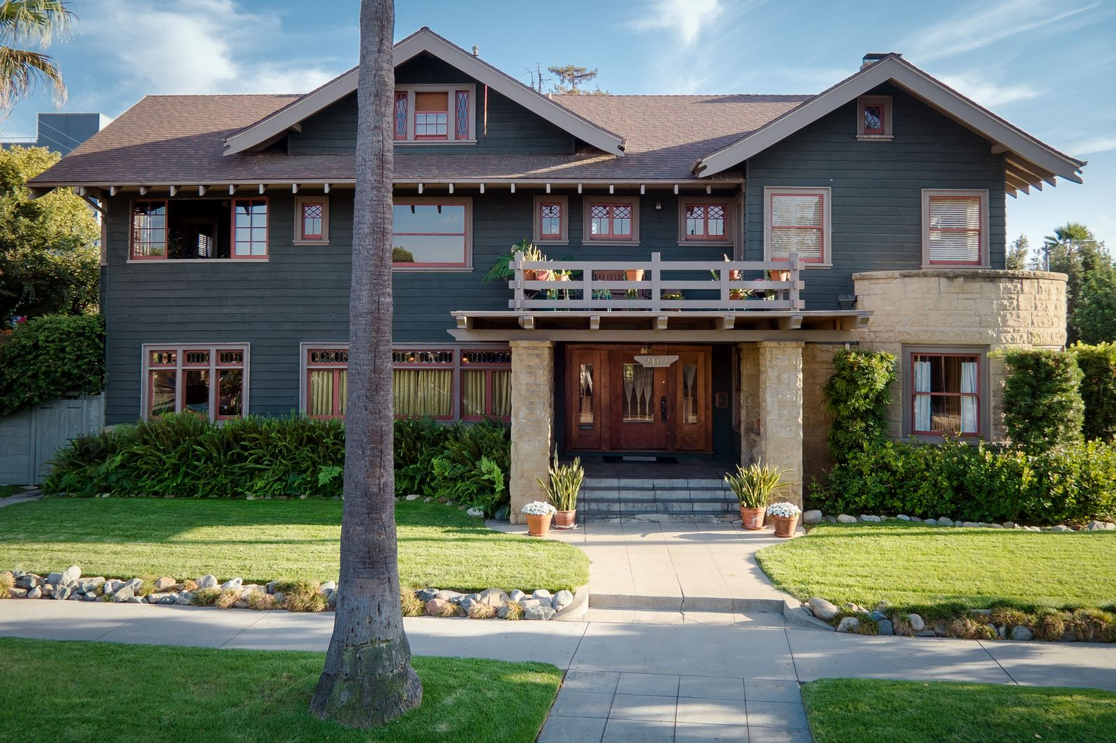 The craftsman spotlight untold la a first hand look at for Craftsman style homes for sale in california