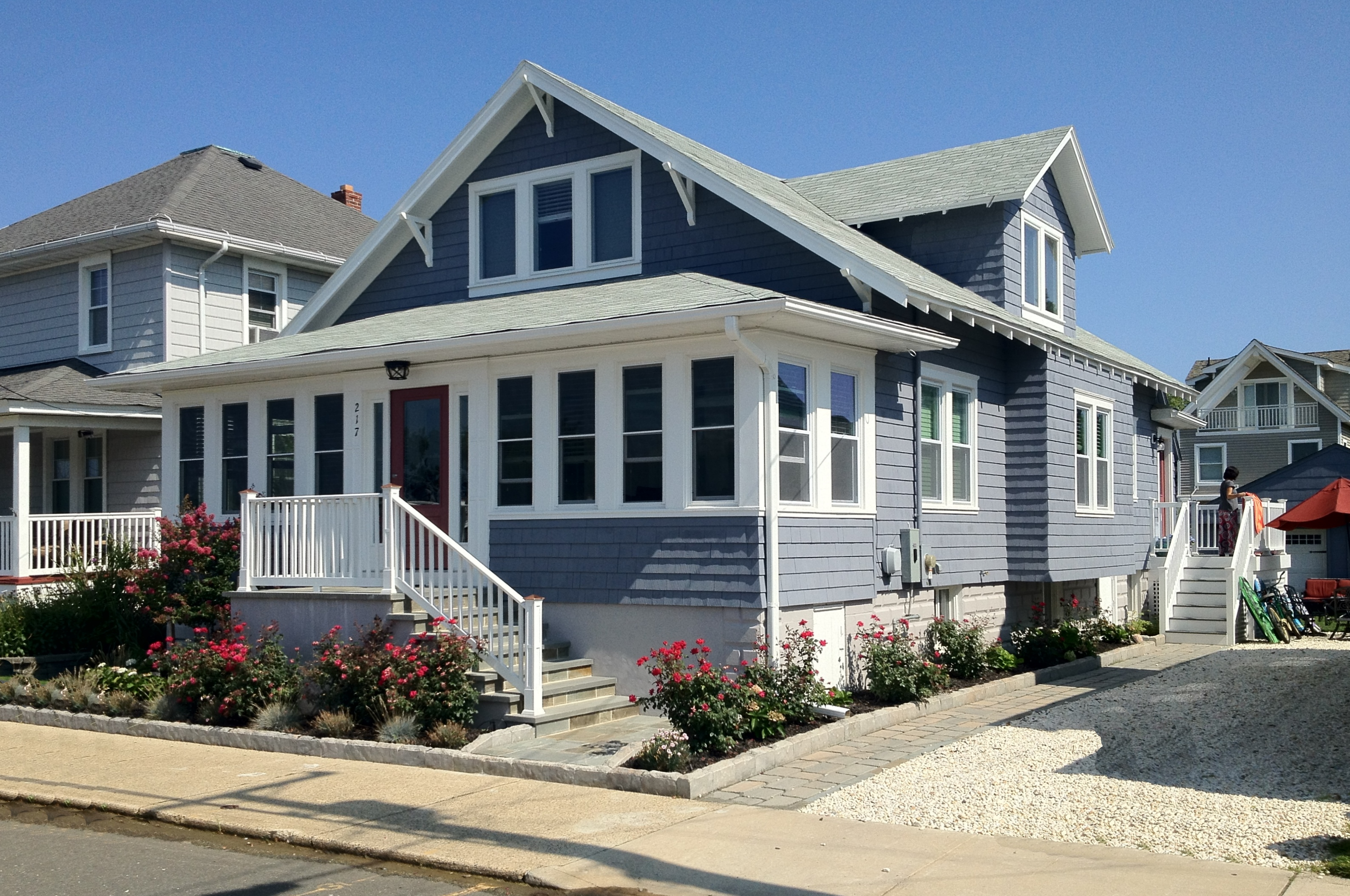 Photo essay beach bungalows and memories on the jersey for Craftsman beach house